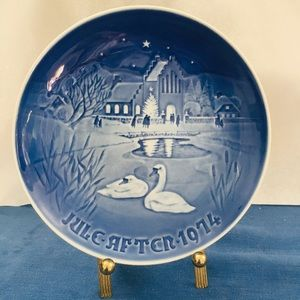 VTG Jule After Christmas in the Village 1974 Plate